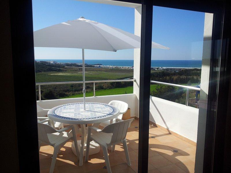 appartement  120m2 vue sur mer avec piscine, alquiler de vacaciones en Arcila