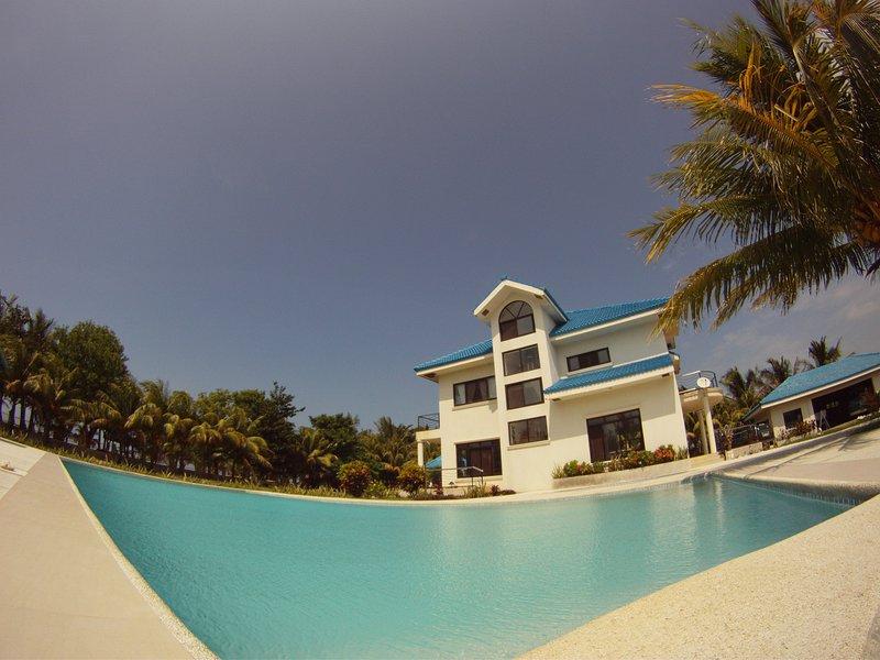 Beachfront Villa, location de vacances à Ilocos Region