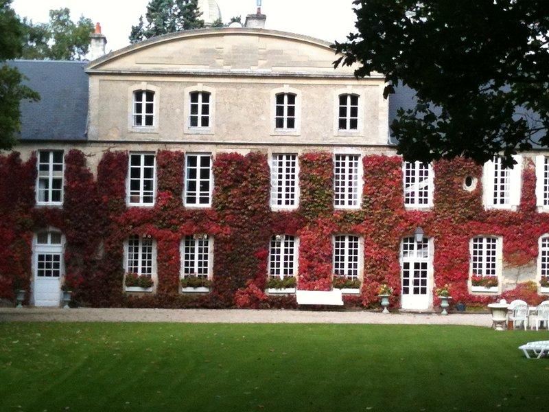 BAYEUX- Manoir saint Hubert -1chambre d'hôtes 2 personnes - 99 euros/nuit, vacation rental in Bayeux