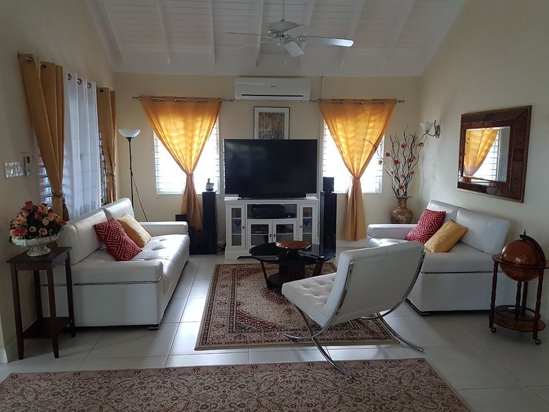 TNC Executive Villa at Richmond Estate Jamaica, holiday rental in Priory