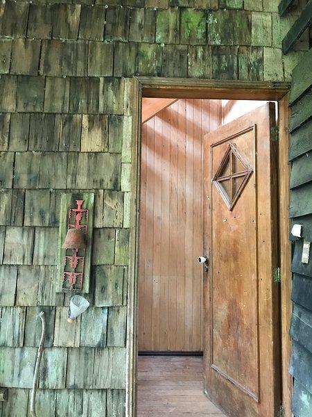 CASA RURAL A SÓLO 5 MINUTOS DE LA CIUDAD DE CHONCHI, casa vacanza a Isla Chiloe