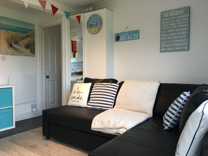 Nous avons ajouté un canapé-lit d'angle confortable pour Wight Waves clients nouveaux pour la saison 2018.