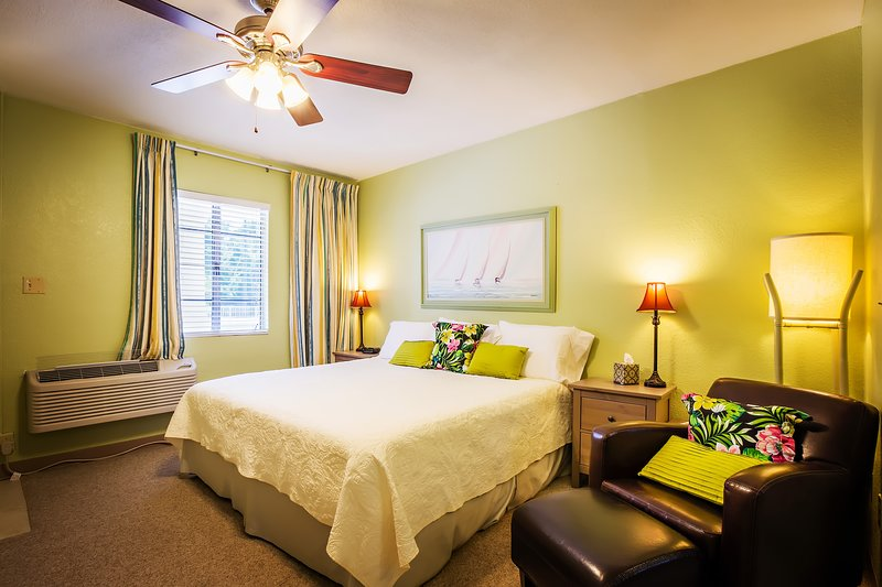 Welcome to the Mar Bay Motel & Suites, vacation rental in Safety Harbor