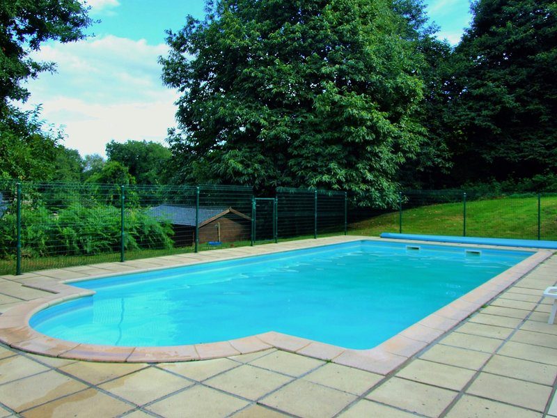 It's not a holiday without a heated pool...  Jump in! Dimensions 11.5m X 5m X 2m max.