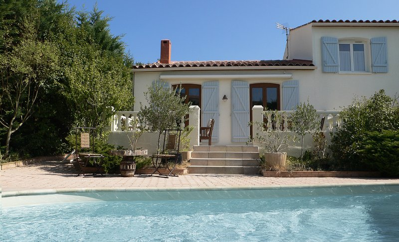 Maison avec piscine proche de Montpellier, holiday rental in Laverune