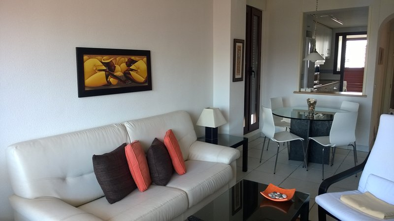 Apartamento de 83 m2 para 4 personas en Vera Playa, aluguéis de temporada em Vera