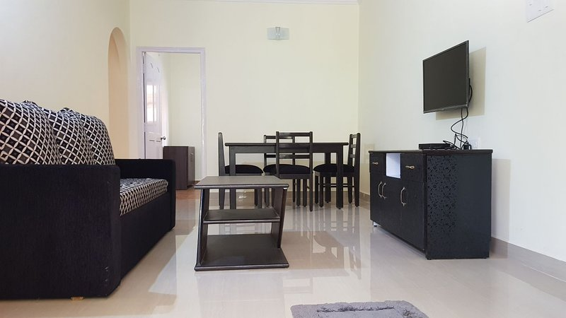 2 bedroom apartment near Candolim beach, holiday rental in Sinquerim