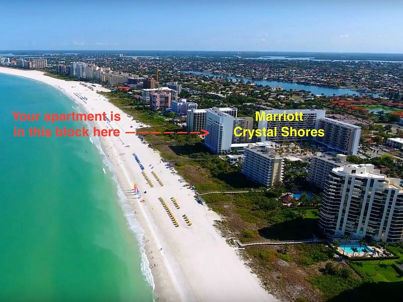 Beach Front Apartment - Marco Island - Marriott Resort, location de vacances à Île de Marco