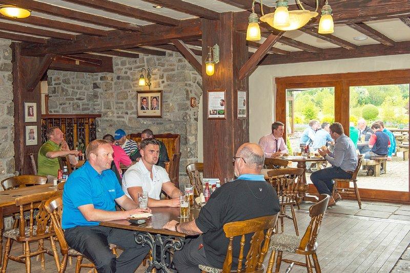 Club-house et le restaurant