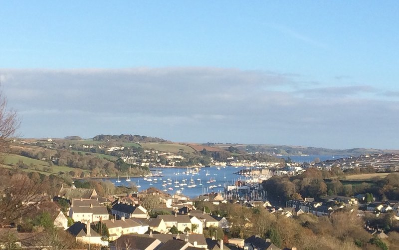 Wonderful sea views from this two bed apartment in Penryn, nr Falmouth Cornwall., holiday rental in Penryn