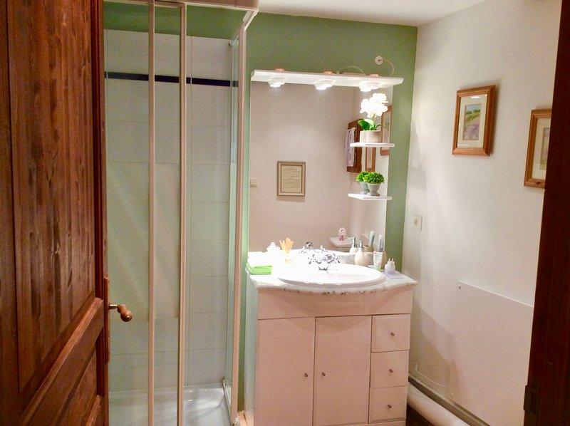 Cottage Shower
