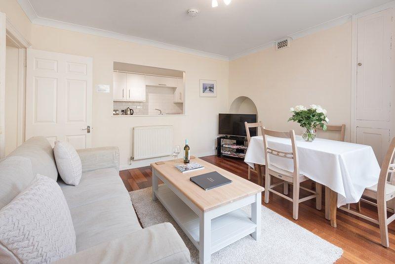 Brunswick Patio Apartment, holiday rental in Shoreham-by-Sea