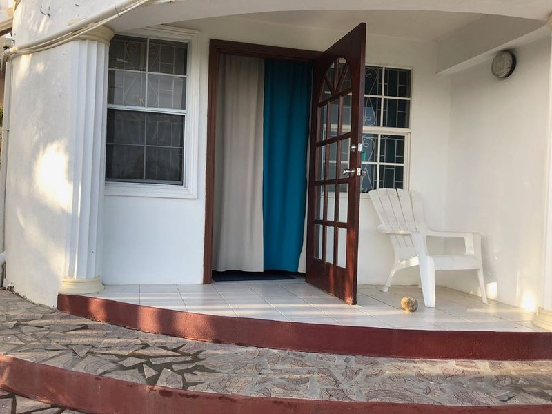 Savannes Bay Garden Inn (Bedroom 7), holiday rental in Vieux Fort
