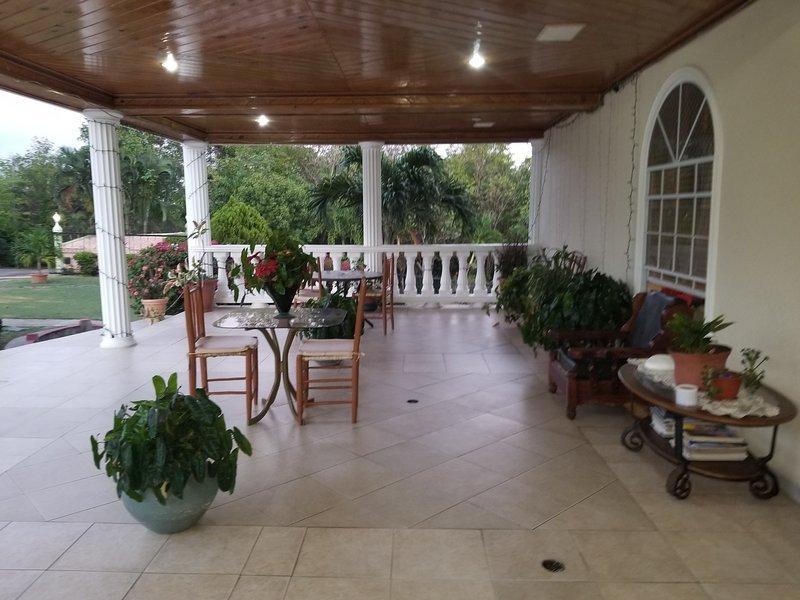 Savannes Bay Garden Inn (Bedroom 10), holiday rental in Vieux Fort