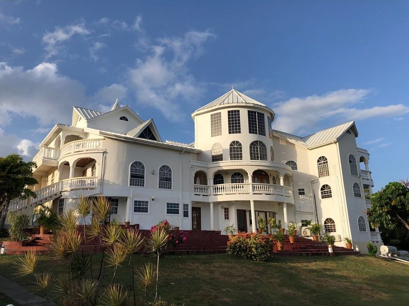 Savannes Bay Garden Inn (Bedroom 9), holiday rental in Vieux Fort