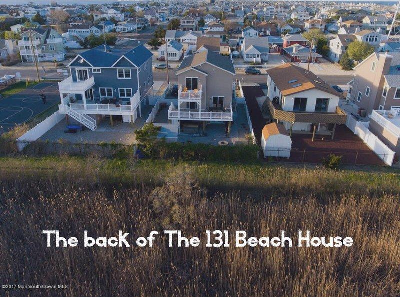 Luxury Rental w/ Best Views of IBSP! Sleeps 12, Hot Tub, Fire Pit, new amenities, location de vacances à Seaside Park