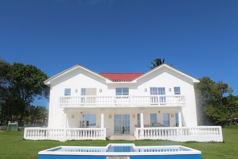 The White House on The Ocean, alquiler de vacaciones en Big Corn Island