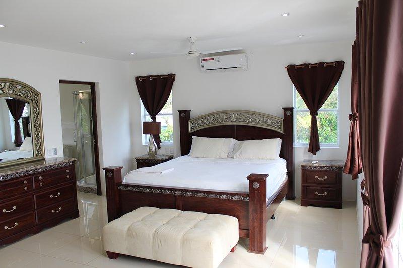 Suite master bedroom.