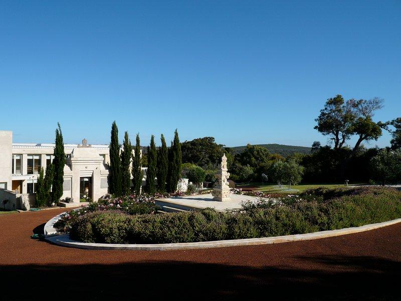 conducir hasta el jardín y el templo asado y entrada
