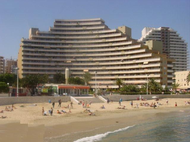 Primera Linea Playa 3 Piscinas Calpe España Actualizado 2021 Alquileres Vacacionales En Calpe Tripadvisor
