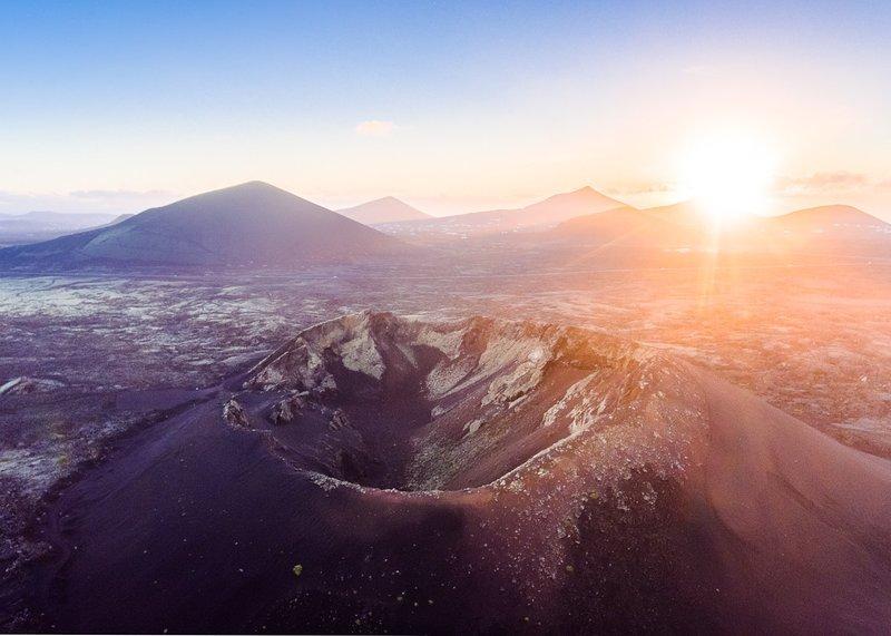 Nascer do sol sobre Volcano Cuervo