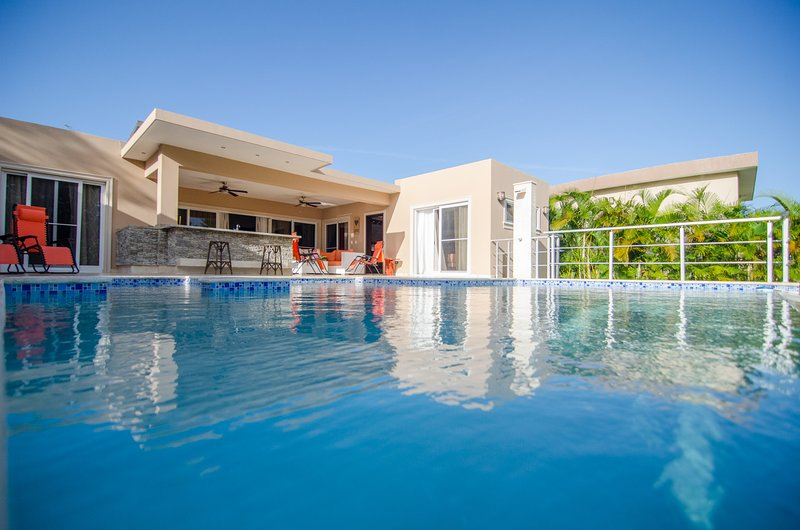 Luxury 5 Bedroom Villa for Rent, vacation rental in Sosua