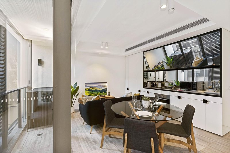 Contemporary Dining and Kitchen