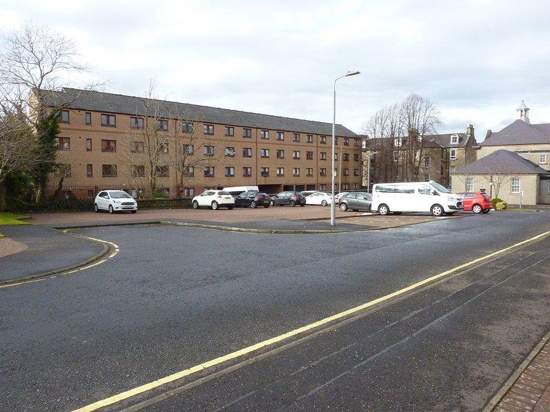 Grand Parking privé qui est gratuit pour nos clients d'utiliser à tout moment de la journée avec de grands espaces