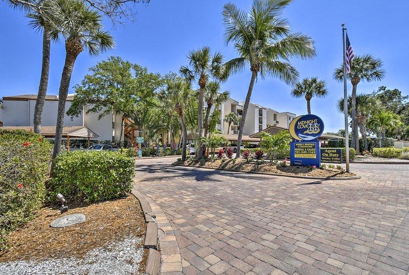 Situato nel Midnight Cove II, questo condominio si trova minuti da bar e ristoranti.