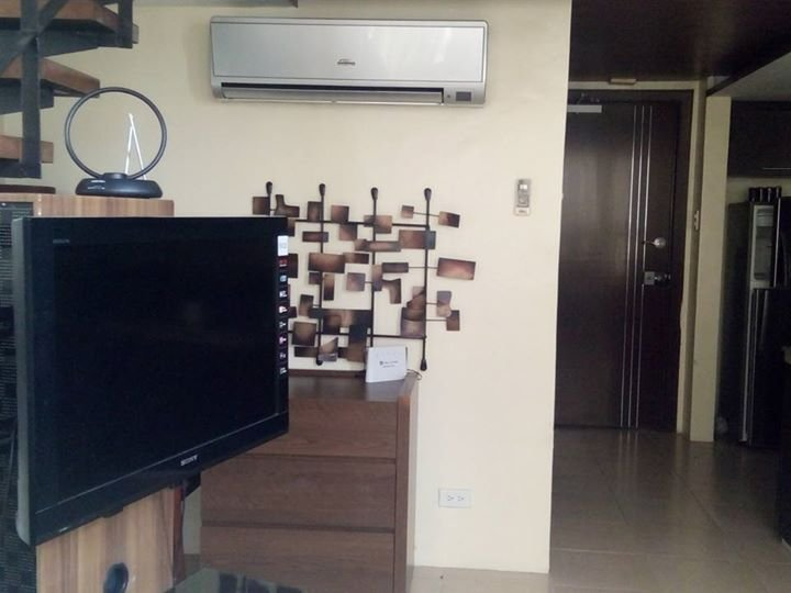 cozy loft unit with in the city, holiday rental in Talisay City