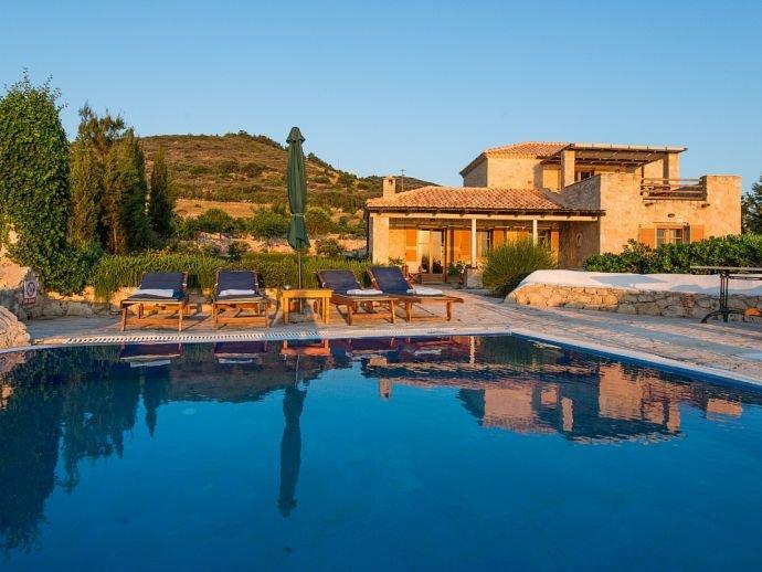 Villa Purple, location de vacances à Korithi