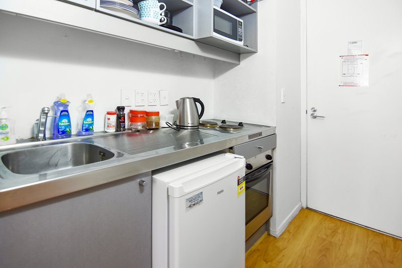 *A kitchenette (No range hood so only light cooking advised).