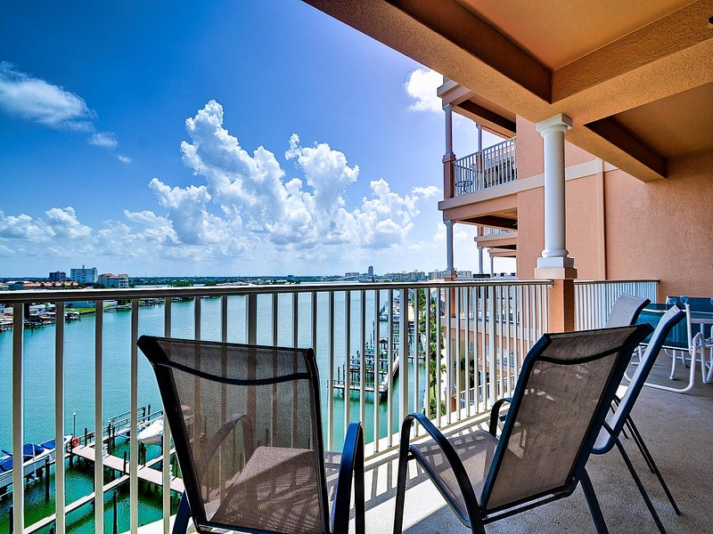 Ve pasar el día en tu balcón.