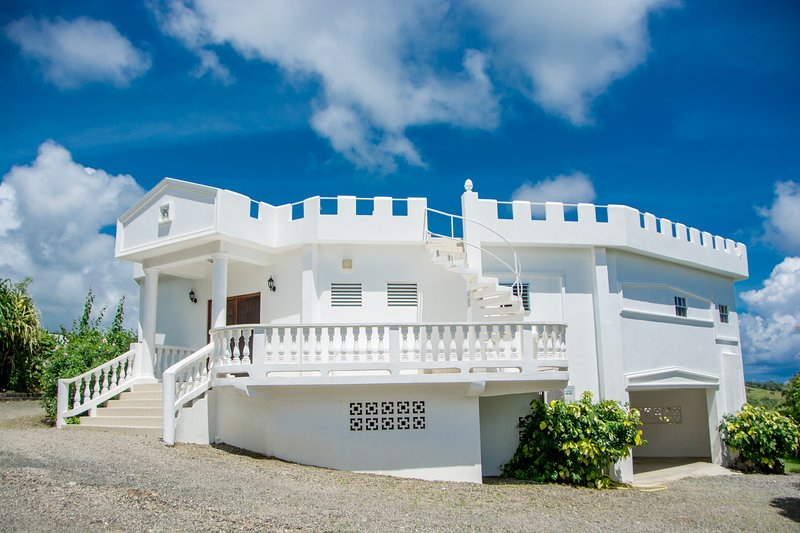 Castles In Paradise Villa 7, holiday rental in Castries