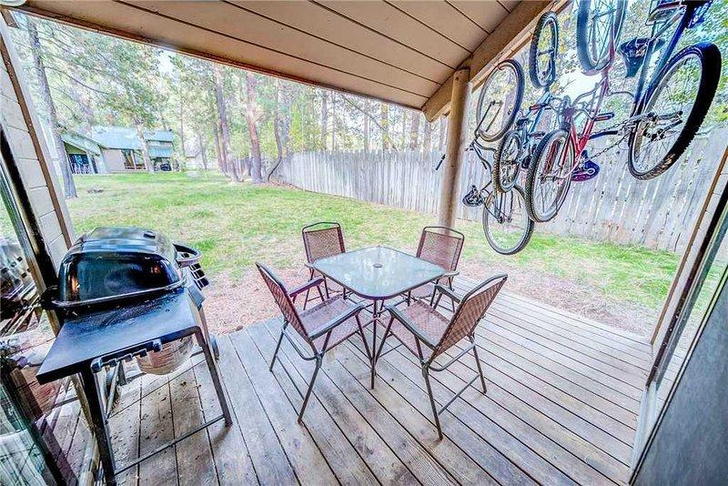 Sunriver-Urlaub-Rental_27-Ranch-Cabin_Back-Deck