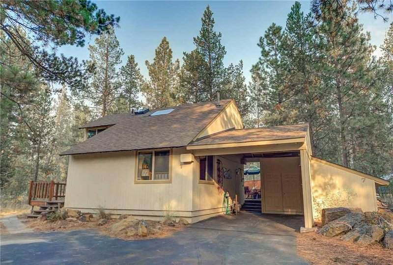 Sunriver-Vacation-Rental_Pine-Needle-7_Exterior-Front