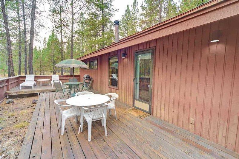 Sunriver-Vacation-Rental_9-East-Park_Back-Deck