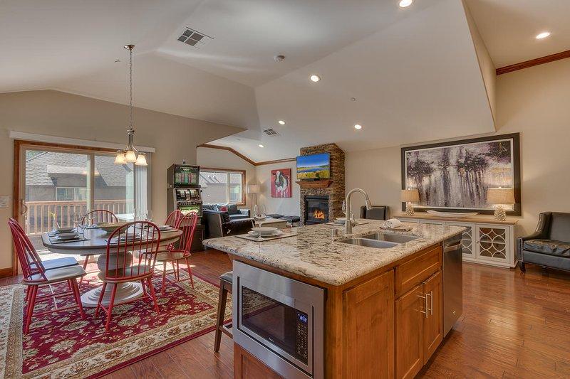 Tahoe Woods Penthouse - Open floor plan