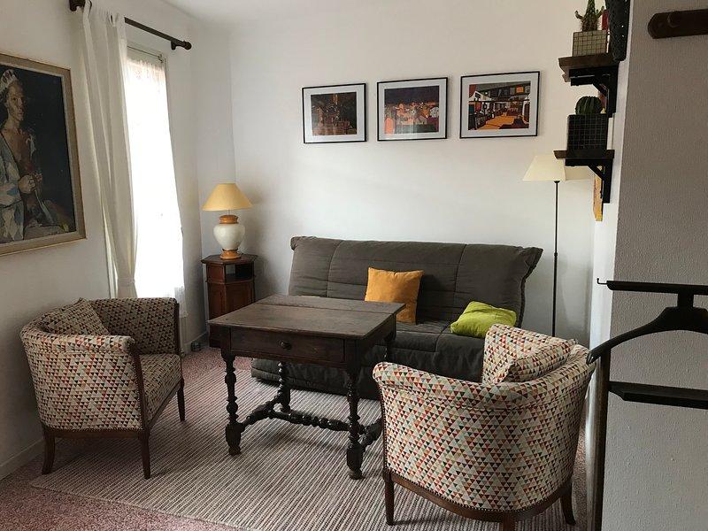 Séjour 1. étage avec 2 balcons, peut également être utilisé comme chambre, 2 canapés doubles lits