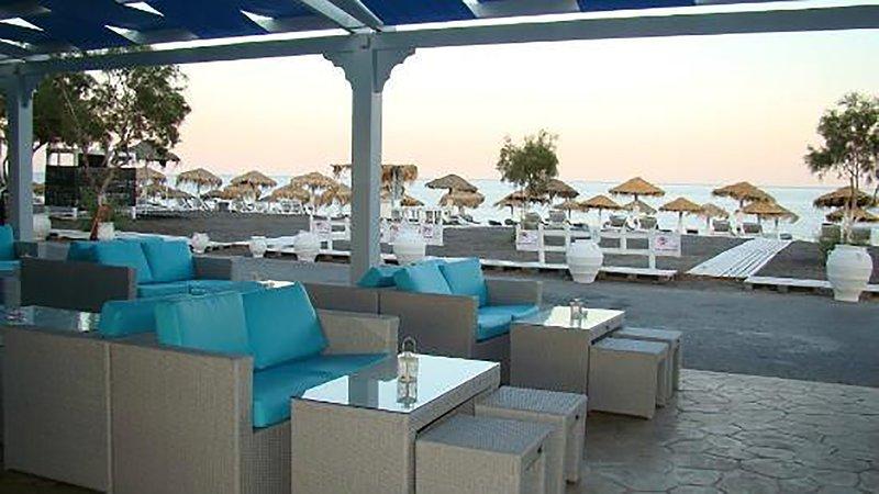 Deluxe Studio On The Beach (S2), vacation rental in Perissa