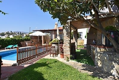 Nerja Villa Sleeps 6 with Pool - 5717751, holiday rental in Nerja