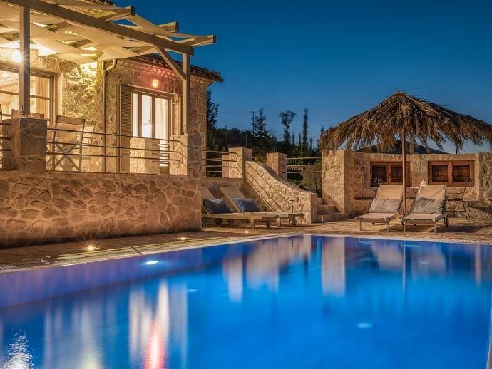 Villa Harmonia - piscina privada