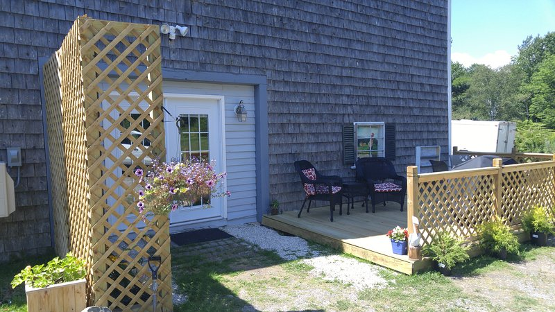 The Windows Apartment, holiday rental in Searsport