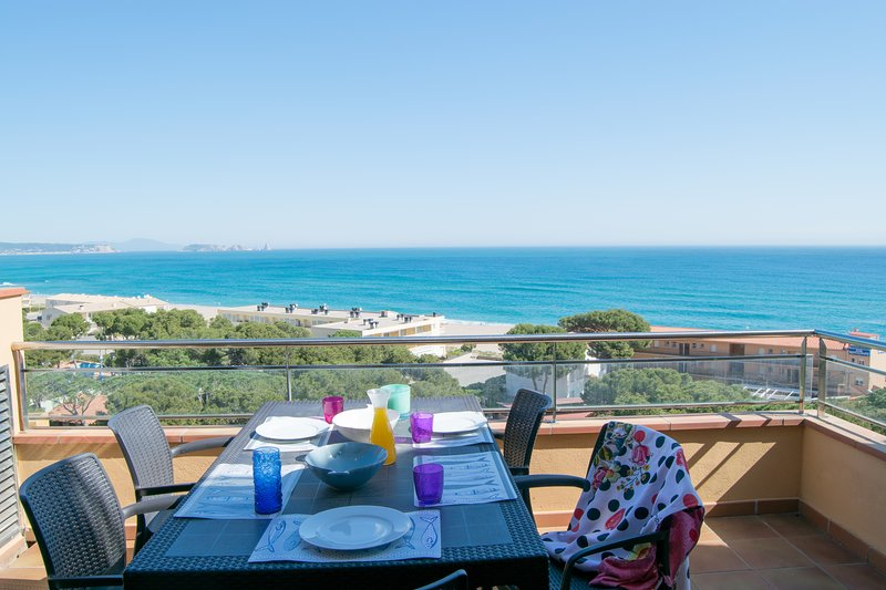 2B-Penthouse,Sea view,, front beach - COSTA BRAVA II2B, vakantiewoning in Begur