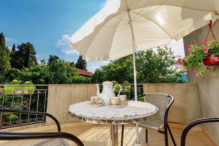 Cozy Apartment Near the Sea on Good Location – semesterbostad i Tivat