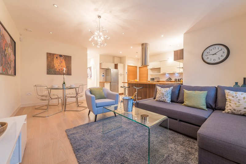 Hampden Apartments - The Catherine, holiday rental in Wraysbury