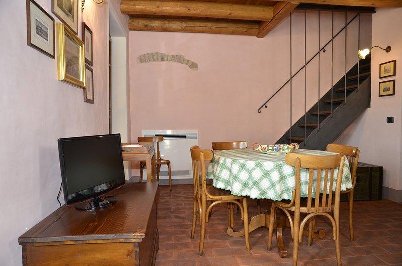 I BARBASSE: APPARTAMENTO L'ESTATE, vacation rental in Valeggio Sul Mincio