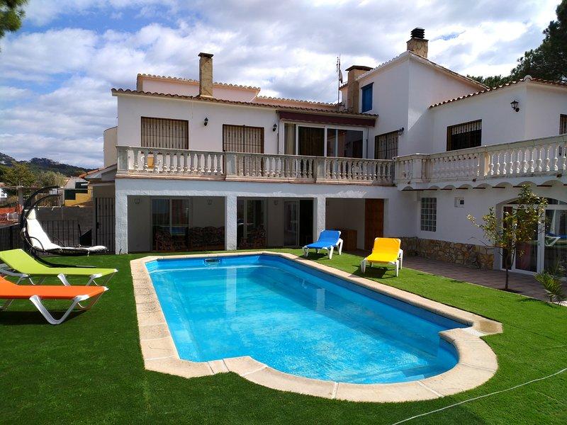 Alojamiento BOGUES con piscina privada, vacation rental in Lloret de Mar