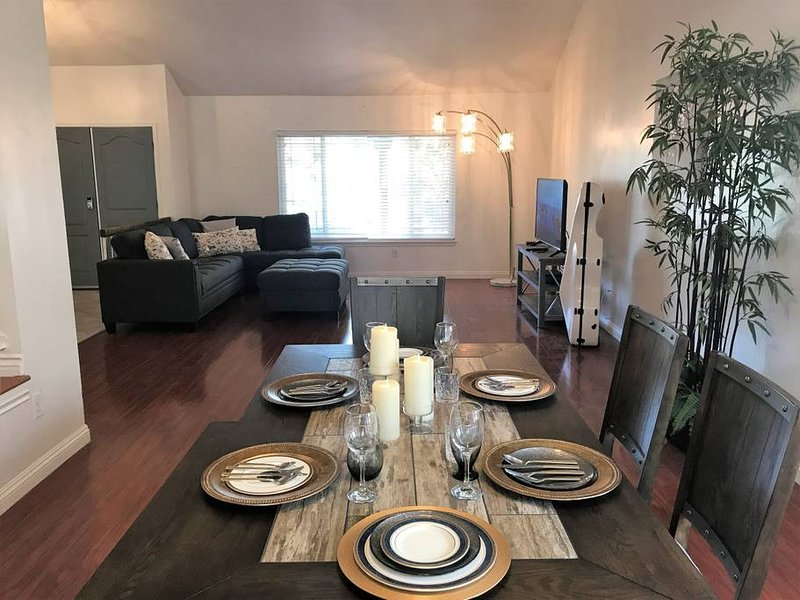 Newly Remodel Luxury Home with Hotel-like Features, vacation rental in Chino Hills
