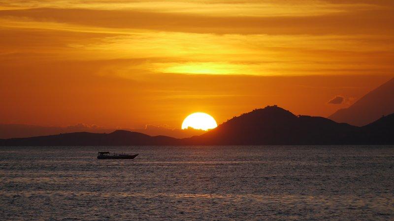 Komodo bester Sonnenuntergang)